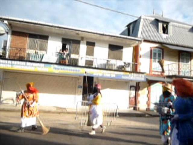 Photo of Carnaval 2013 à Saint Laurent du Maroni (Guyane) en LSF, Sous titré